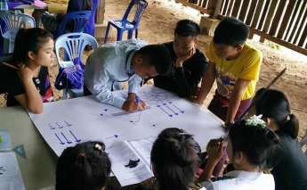 Save the Children trains mobile teachers to improve childhood education in Myanmar